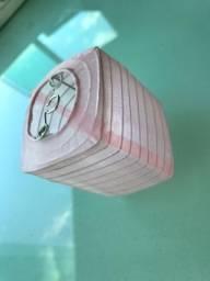 Mini lanternas quadradas na cor rosa