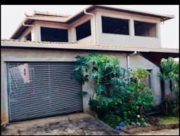 Título do anúncio: Oportunidade!Excelente casa com terraço e espaço no quintal