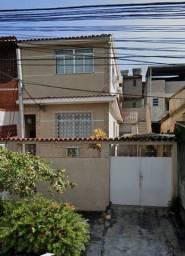 Título do anúncio: Casa Espaçosa em Bento Ribeiro - 2 quartos, sala, copa/sala de jantar, cozinha ampla.