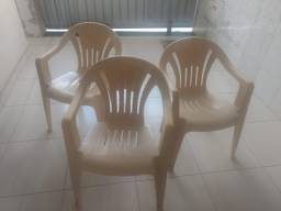 Título do anúncio: Cadeiras plásticas reforçadas
