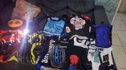 Título do anúncio: Acessorio e roupas para ciclista