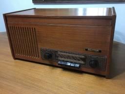 Rádio Vitrola antig