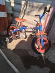 Vendo bicicleta de criança usada algumas vezes so
