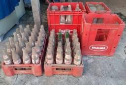 Título do anúncio: Engradados de Cerveja e de Coca-Cola com as Garrafas