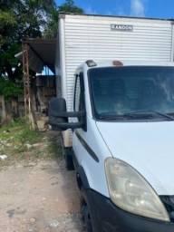 Título do anúncio: Caminhão Iveco delivery 70c16 ano 2011