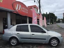 Clio Sedan Financiamos - 2002