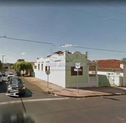 Casa para alugar com 2 dormitórios em Centro, Jaboticabal cod:L406