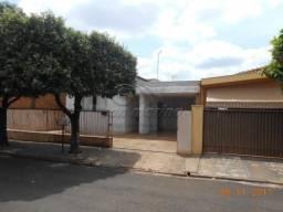 Casa à venda com 3 dormitórios em Centro, Jaboticabal cod:V2468