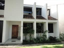 Linda casa em Volta Redonda - Laranjal - 4 quartos - 280 m2 de area construida