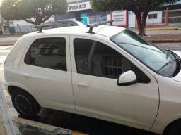 Carro super conservado - 2012