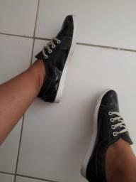 Tenis preto