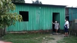 Vende-se uma casa no município de Parintins-AM