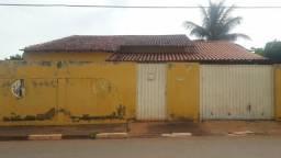 Casa em poconé - centro