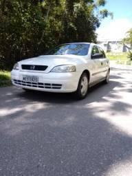 Astra sedan 1.8 GL 8v - 2000