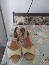 3 sapatilhas 37
