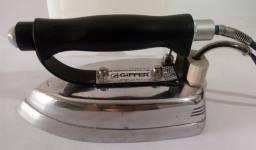 Ferro de Passar Industrial Giffer à Vapor - 110 volts