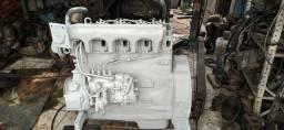Título do anúncio:  Vendo motor diesel.