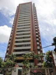 Excelente localização, apartamento com 03 suítes, varanda, sala, cozinha, despensa, DCE, a