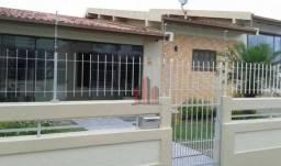 Título do anúncio: Casa com 3 dormitórios à venda, 289 m² por R$ 890.000,00 - Ingleses do Rio Vermelho - Flor