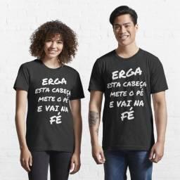 Camiseta Unissex Personalizada - Erga Esta Cabeça Mete O Pé