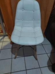 Título do anúncio: Cadeira Eiffel de couro