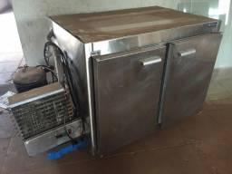 Refrigerador Industrial Horizontal Em Chapa De Aço Inox