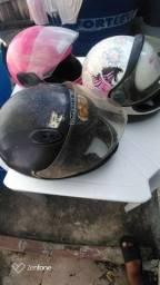 Vendo três capacetes