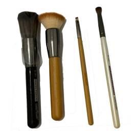 Título do anúncio: Kit 4 Pincéis De Maquiagem Profissional Da Macrilan