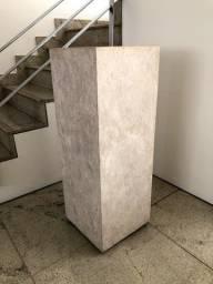 Coluna de Mármore Travertino