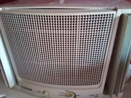 Vendo ar condicionado Cônsul 7500btus/220 usado