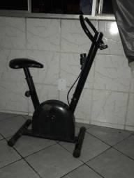 Bicicleta para malhar em casa em ótimo estado
