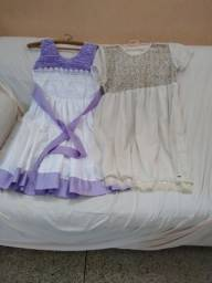 Dois vestidos infantis