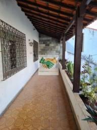 Título do anúncio: Casa com 4 quartos e suíte em 282m2 à venda no bairro Sagrada Família em BH