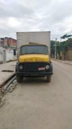 Caminhão baú, truck 1113
