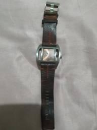 Troco relógio da marca Diesel original em cahorra da raça York , ou shih Tzu. *