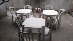 Vendo conjunto de 3 mesas e 9 cadeiras