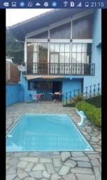 Linda casa aconchegante na Serra