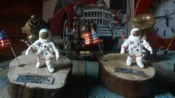 Miniatura colecionavel homem na lua