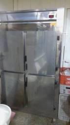 Geladeira inox 4 portas industrial