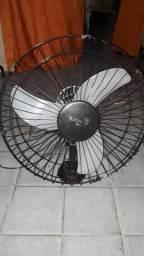 Vendo um ventilador de parade