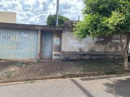 Casa semi construída - Uberaba
