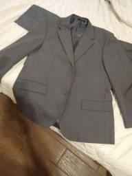 Terno cinza com calça