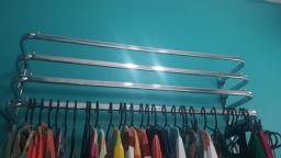 Título do anúncio: Arara cromada para roupas