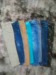 Título do anúncio: Kit de 8 calças Tam. 4 de menino.