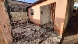 Vendo casa em Arcoverde, bairro por do Sol,rua calçada com toda estrutura