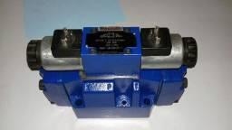 Título do anúncio: Valvula direcional hidraulica rexroth seminova