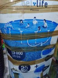 Piscina de 13.000 litros, nova