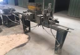 1 máquina produção de cumeeira concreto