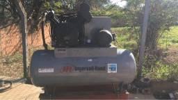 Título do anúncio: Compressor Ingersoll Rand 15 CV  60 PCM  reservatório 425 litros  220/380 V