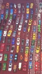 Coleção de 170 carrinhos da Hotweels 10 reais a unidade